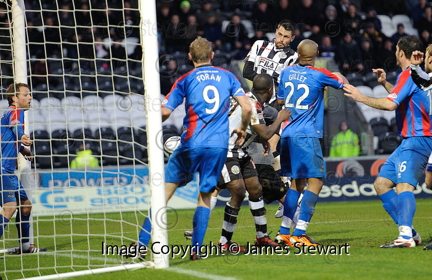 ST MIRREN'S STEVEN THOMPSON SCORES ST MIRREN'S FIRST..03/12/2011   Copyright  Pic : James Stewart.sct_jsp002_st_mirren_v_ict  .James Stewart Photography 19 Carronlea Drive, Falkirk. FK2 8DN      Vat Reg No. 607 6932 25.Telephone      : +44 (0)1324 570291 .Mobile              : +44 (0)7721 416997.E-mail  :  jim@jspa.co.uk.If you require further information then contact Jim Stewart on any of the numbers above.........