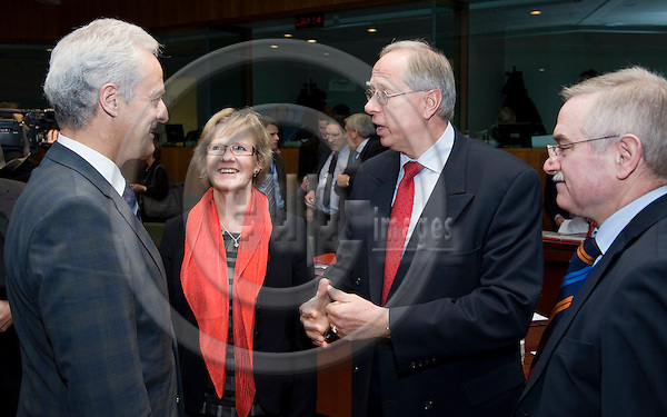 Brussels-Belgium, December 17, 2009 -- Meeting of European Ministers / EU-Council on Transport; here, Dr. Peter RAMSAUER (le), Federal Minister for Transport, Building and Urban Development of Germany, attending for the first time at the EU-Transport-Council, with Åsa (Asa) TORSTENSSON (2.le), Minister for communications of Sweden and acting President of the meeting; Ambassador Dr. Edmund DUCKWITZ (2.ri), Permanent Representative of Germany to the EU; Ambassador Dr. Guido PERUZZO (ri) - Deputy Permanent Representative of Germany to the EU -- Photo: Horst Wagner / eup-images