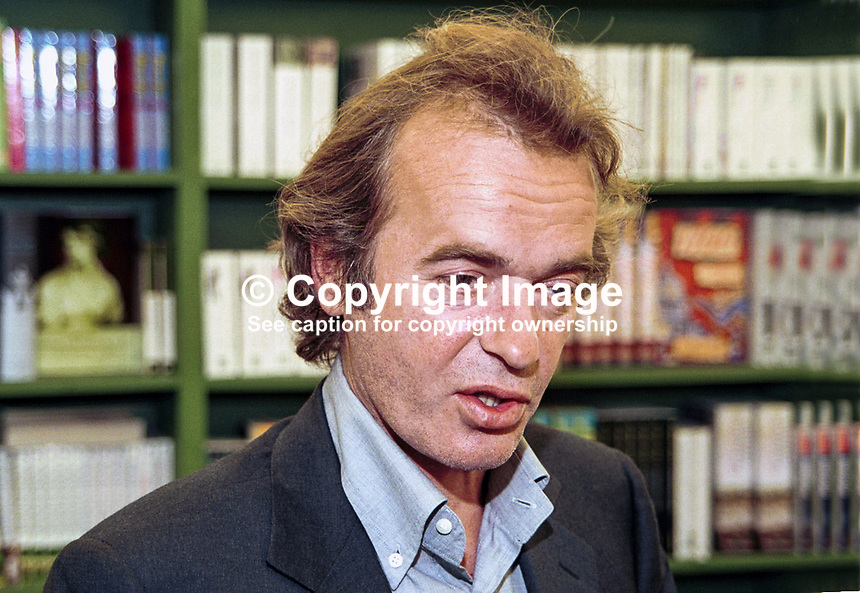 Martin Amis, novelist, writer, author, Britain, UK, taken Hay Festival.,  200005098.<br /> <br /> Copyright Image from Victor Patterson,<br /> 54 Dorchester Park, Belfast, UK, BT9 6RJ<br /> <br /> t1: +44 28 90661296<br /> t2: +44 28 90022446<br /> m: +44 7802 353836<br /> <br /> e1: victorpatterson@me.com<br /> e2: victorpatterson@gmail.com<br /> <br /> For my Terms and Conditions of Use go to<br /> www.victorpatterson.com