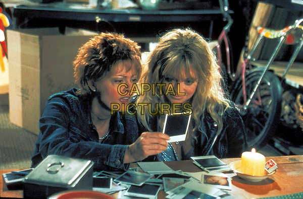 SUSAN SARANDON & GOLDIE HAWN .in The Banger Sisters  .Filmstill - Editorial Use Only.Ref: 11836.www.capitalpictures.com.sales@capitalpictures.com.Supplied by Capital Pictures