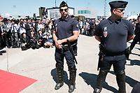 LE SERVICE DE SECURITE PENDANT LA VISITE DU PRESIDENT MACRON AU SALON DU BOURGET, LE BOURGET, FRANCE, LE 19/06/2017.