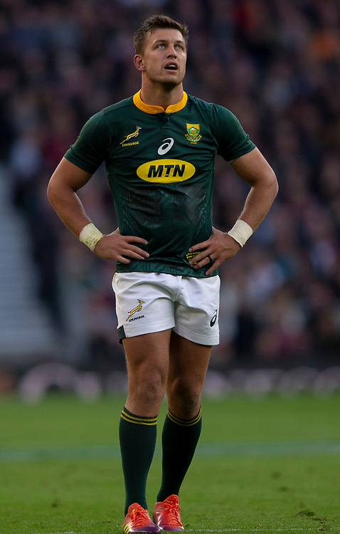 South Africa's Handré Pollard<br /> <br /> Photographer Bob Bradford/CameraSport<br /> <br /> Quilter Internationals - England v South Africa - Saturday 3rd November 2018 - Twickenham Stadium - London<br /> <br /> World Copyright © 2018 CameraSport. All rights reserved. 43 Linden Ave. Countesthorpe. Leicester. England. LE8 5PG - Tel: +44 (0) 116 277 4147 - admin@camerasport.com - www.camerasport.com