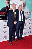 Jonathan Pryce und Anthony Hopkins beim Gala Screening des Kinofilms 'The Two Popes / Die zwei Päpste' auf dem AFI Fest 2019 im TCL Chinese Theatre. Los Angeles, 18.11.2019