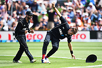 Blackcaps Tim Southee takes a catch during the 4th ODI Blackcaps v England. University Oval, Dunedin, New Zealand. Wednesday 7 March 2018. ©Copyright Photo: Chris Symes / www.photosport.nz