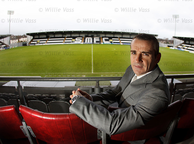 Danny Lennon gets a new two year contract extension with St Mirren