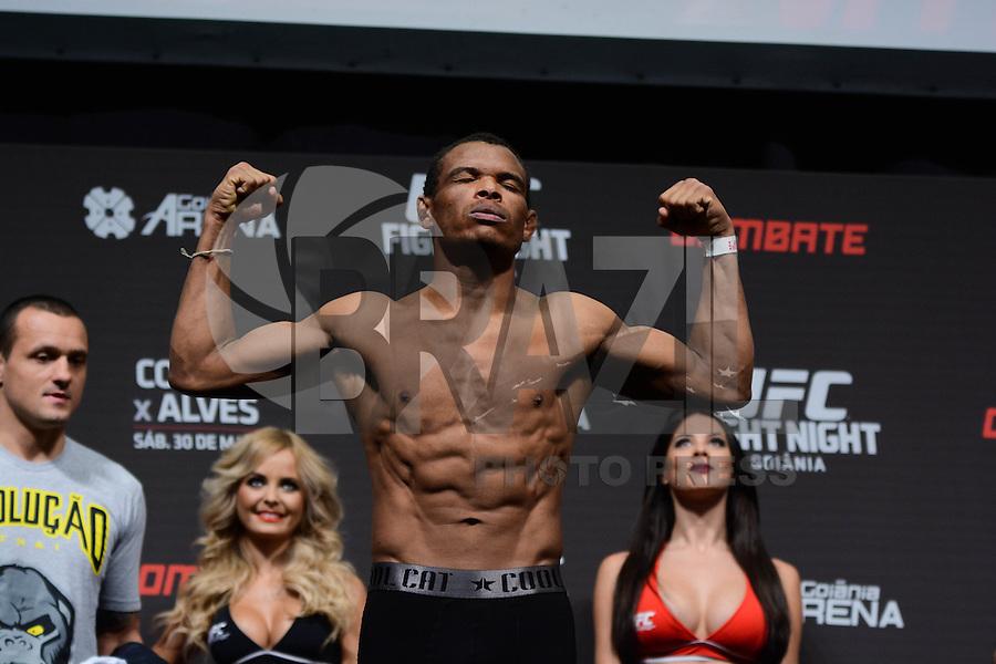 GOIÂNIA, GO, 29.05.2015 – UFC-GOIÂNIA – Francisco Massaranduba durante pesagem para o UFC Goiânia  no Goiânia Arena em Goiânia na tarde desta sexta-feira, 29. (Foto: Ricardo Botelho / Brazil Photo Press)