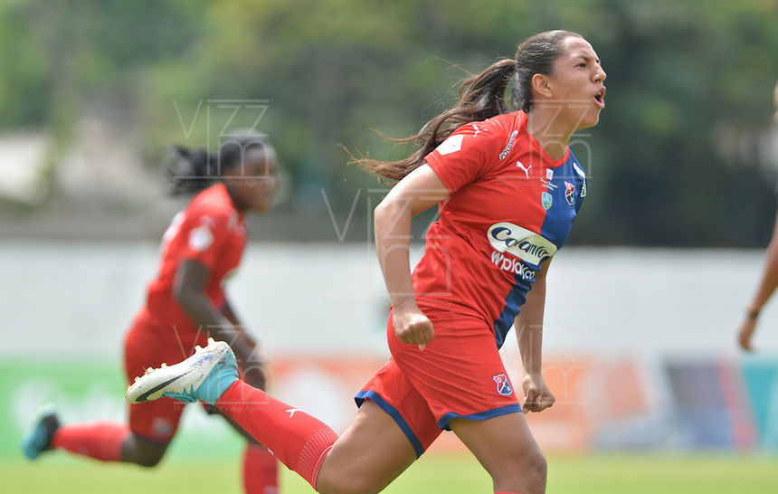 MEDELLIN - COLOMBIA, 15-09-2019: Manuela Vanegas del Medellín celebra después de anotar el primer gol de su equipo al Huila durante partido por la semifinal vuelta entre Deportivo Independiente Medellín y Atlético Huila como parte de la Liga Femenina Águila 2019 jugado en el estadio Polideportivo Sur de la ciudad de Medellín. / Manuela Vanegas of Medellin celebrates after scoring the first goal of his team to Huila during Match for the second leg semifinal between Deportivo Independiente Medellin and Atletico Huila as part Aguila Women League 2019 played at Polideportivo Sur stadium in Medellin city. Photo: VizzorImage / Leon Monsalve / Cont