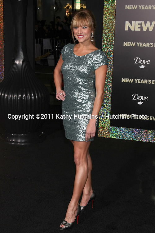 """LOS ANGELES - DEC 5:  Christine Lakin arrives at the """"New Year's Eve"""" World Premiere at Graumans Chinese Theater on December 5, 2011 in Los Angeles, CA"""