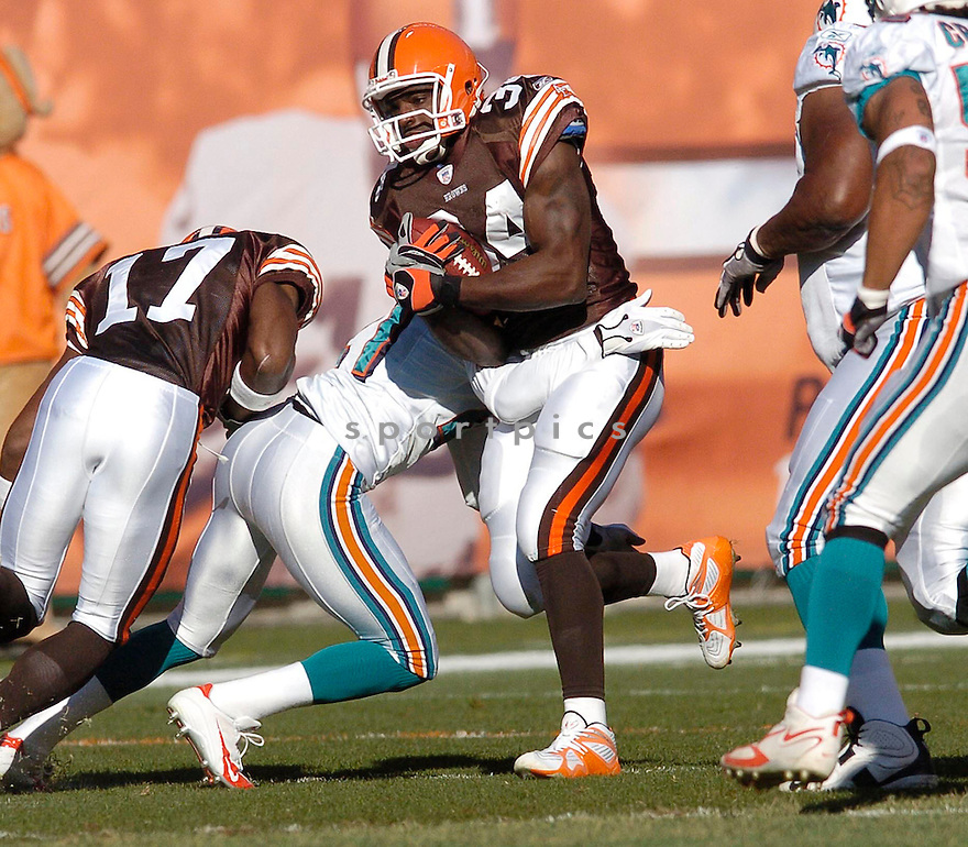 Reuben Droughns, of the Cleveland Browns, in action, during their game against the Miami Dolphins on November 20, 2005...Browns win 22-0..Chris Bernacchi / SportPics