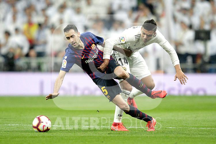 Real Madrid CF's Carlos Henrique Casemiro and FC Barcelona's Sergio Busquets during La Liga match. March 02,2019. (ALTERPHOTOS/Alconada)