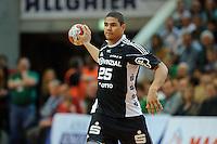 Daniel Narcisse (THW) am Ball, wirft