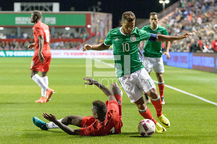 Bridgeview, IL, USA - Tuesday, October 11, 2016: Mexico forward Giovani dos Santos (10) during an international friendly soccer match between Mexico and Panama at Toyota Park. Mexico won 1-0.