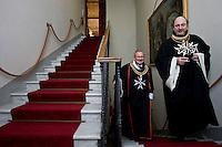 Cavalieri di Malta nella sede di Villa Magistrale al Gianicolo a Roma. Il Sovrano Ordine di Malta è uno dei pochi Ordini nati nel Medio Evo ed ancora oggi attivi, con  una propria costituzione e un proprio passaporto.