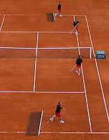 29-05-13, Tennis, France, Paris, Roland Garros, Court maintenance on court Suzanne Lenglen