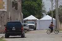 Timucuy, Yucatán.-  Hacienda Tekik de Régil casi lista para la boda de  Emiliano Salinas y Ludwika Paleta, se empieza a notar más el movimiento en los trabajos de preparación del evento. Varios trabajadores como cocineros, floristas, y seguridad privada se ven entrando y saliendo del lugar. También camionetas de la Secretaria de Seguridad Pública, grupo GOERA, estuvieron rondando alrededor del lugar. Gran parte dela hacienda se mantiene con vallas. <br /> *Photo:©.CuauhtémocMoreno*/NortePhoto*<br /> .