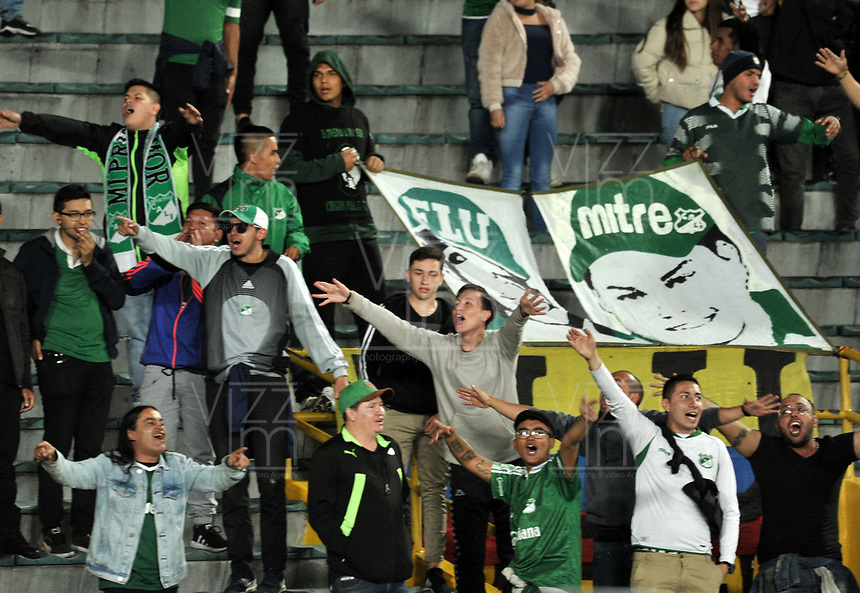 BOGOTÁ-COLOMBIA, 16-01-2020: Hinchas de Deportivo Cali, animan a su equipo, durante partido entre América de Cali y Deportivo Cali, por el Torneo ESPN 2020, jugado en el estadio Nemesio Camacho El Campin de la ciudad de Bogotá. / Fans of Deportivo Cali, cheer for their team during a match between America de Cali and Deportivo Cali, for the ESPN Tournament 2020, played at the Nemesio Camacho El Campin stadium in the city of Bogota. Photo: VizzorImage / Luis Ramírez / Staff.