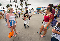 Incoming first-years participate in Oxy Engage with a visit to Venice Beach on Aug. 19, 2014, one of the stops made by the Underground group. (Photo by Marc Campos, Occidental College Photographer)