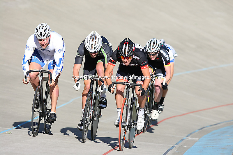 Eddie Dawkins, Left, and Aaron Gate, right at the New Year's Canterbury Track Cycling Carnival, Denton Park Velodrome, Hornby, Christchurch, New Zealand, Saturday, January 04, 2014. Credit:NINZ/Dianne Manson