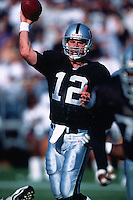 OAKLAND, CA - Quarterback Rich Gannon of the Oakland Raiders in action during a game against the San Diego Chargers at the Oakland Coliseum in Oakland, California on November 18, 2001. Photo by Brad Mangin