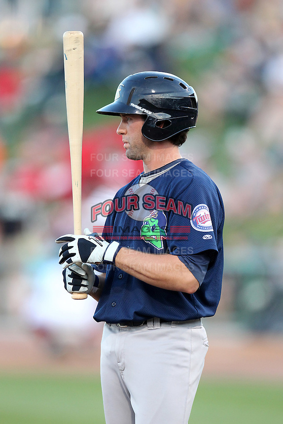 Beloit Snappers Derek McCallum #17 during a game against the Great Lakes Loons at Dow Stadium on July 22, 2011 in Midland, Michigan.  Great Lakes defeated Beloit 5-2.  (Mike Janes/Four Seam Images)