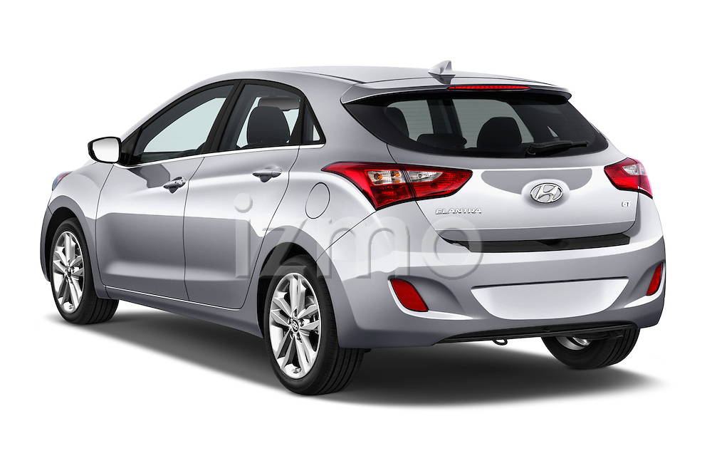 Car pictures of rear three quarter view of 2016 Hyundai Elantra Gt 5 Door Hatchback angular rear