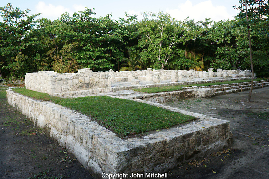 Palacio Chaak palace San Miguelito archaeological site adjacent to the new Museo Maya de Cancun museum, Cancun, Mexico      .