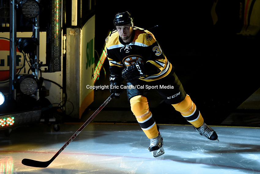 Thursday, October 8, 2015: Boston Bruins left wing Matt Beleskey (39) takes the ice for the season opening game between the Winnipeg Jets and the Boston Bruins held at TD Garden, in Boston, Massachusetts. Winnipeg defeated Boston 6-2 in regulation time. Eric Canha/CSM
