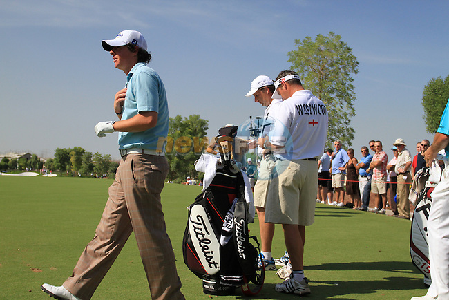 Rory McIlroy waits to tee off on the 4th hole during the opening round of Day 1 at the Dubai World Championship Golf in Jumeirah, Earth Course, Golf Estates, Dubai  UAE, 19th November 2009 (Photo by Eoin Clarke/GOLFFILE)