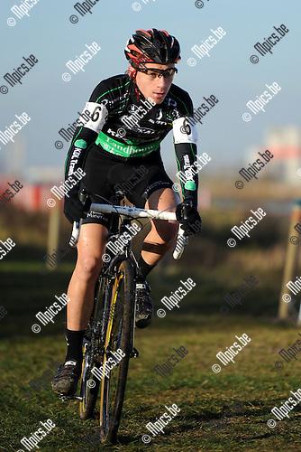 11-12-10 / Veldrijden / seizoen 2011-2012 / Nieuwelingen / Dario Kloeck..Foto: Mpics.be