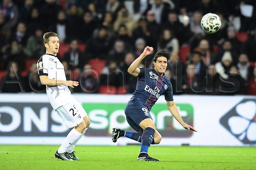 11.01.2017. Paris, France. French league cup football, Paris Saint Germain versus FC Metz.  Edinson Cavani ( PSG ) gets his cross into the box