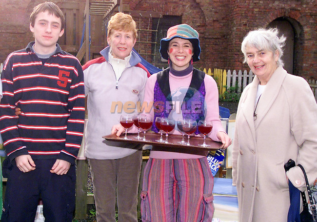 anne floody ann kiernan hidi bedell brian oloinsigh  6/11/04.Photo: Aaron Caffrey/Newsfile..This Picture has been sent to you by:..Newsfile Ltd..3 The View,.Millmount Abbey,.Drogheda,.CO. Meath..Ireland..Tel: +353419871240.Fax: +353419871260.GSM: +353862500958.email: pictures@newsfile.ie.www.newsfile.ie..This email has been sent by: aaroncaffrey@newsfile.ie