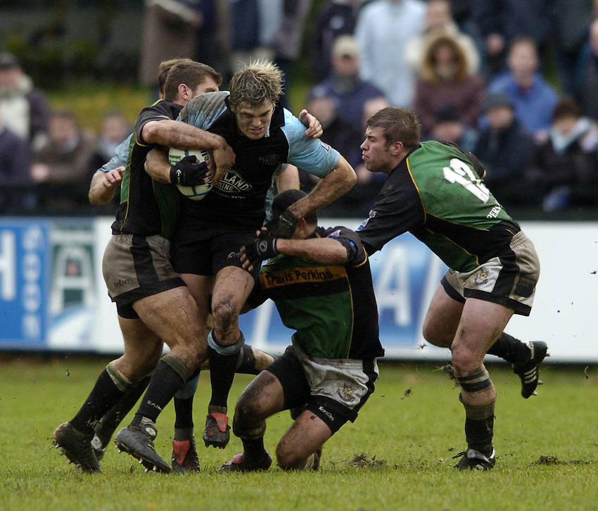Photo. Jed Wee..Glasgow Warriors v Northampton Saints, Heineken Cup, 24/10/2004..Glasgow's Sean Lamont.