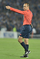 BOGOTA - COLOMBIA -31 -03-2016: Luis Sanchez, arbitro,  durante partido entre Millonarios y Atlético Nacional por la fecha 9 de la Liga Águila I 2016 jugado en el estadio Nemesio Camacho El Campín de la ciudad de Bogotá./ Luis sanchez, referee,  during a match between Millonarios and Atletico Nacional for the date 9 of the Aguila League I 2016 played at Nemesio Camacho El Campin stadium in Bogota city. Photo: VizzorImage / Gabriel Aponte / Staff.