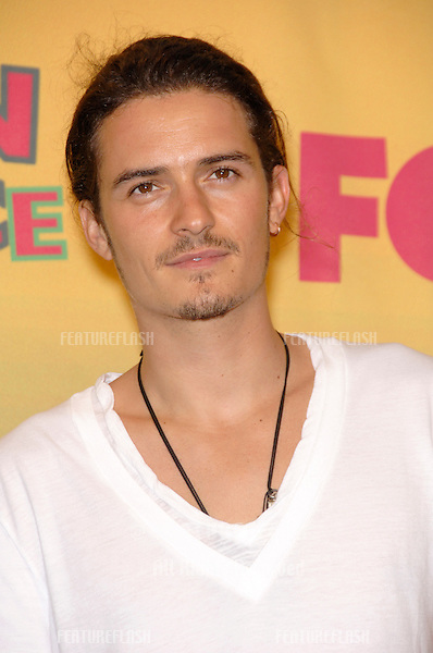 Actor ORLANDO BLOOM at the 2006 Teen Choice Awards at Universal City, Hollywood.20AUG2006  Los Angeles, CA.© 2006 Paul Smith / Featureflash