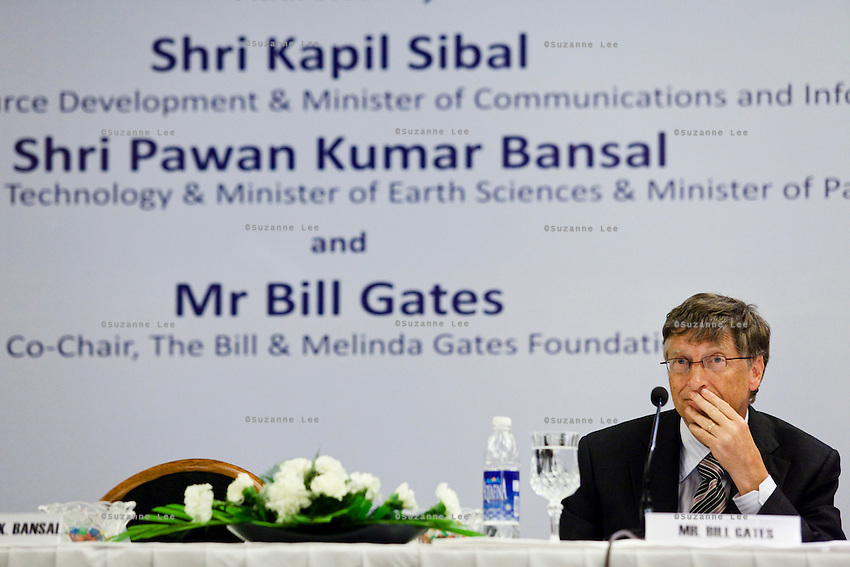 """Bill Gates, co-chair of the Bill and Melinda Gates Foundation (BMGF) speaks about Tuberculosis issues at the """"Maximising India's Capacity"""" press briefing hosted by the Ministry of Science and Technology, Government of India in Le Meridien Hotel, New Delhi, India on 24th March 2011.."""