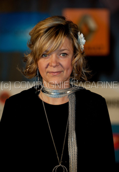 """VIPs and nominees arriving on the blue carpet at the award ceremony of the """"Nacht van de Vlaamse Televisiesterren"""" in Hasselt (Belgium, 27/03/2009)"""