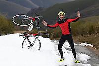 Fecha: 07-01-2014. (Lugo) Ciclismo Vuelta de España. Sube el Puerto de Ancares por Pan do Zarco, el ciclista Serafín Martínez, recorrido de la Etapa 20 de la Vuelta a España 2014. Foto: Pedro Agrelo