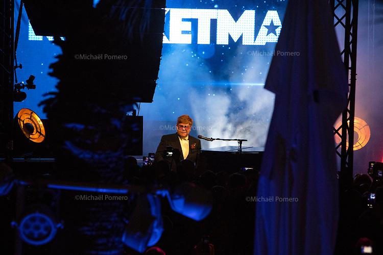 """16 Mai 2019 Cannes (France)<br /> <br /> Elton John en concert sur la plage du Carlton pour la présentation de son film """" Rocketman """" <br /> Elton John in concert at the Carlton beach for the presentation of his movie """" Rocketman """"."""