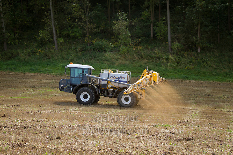 Applying liquid fertiliser to stubble with Chafer 36m sprayer & Unimog U400 - September, Yorkshire