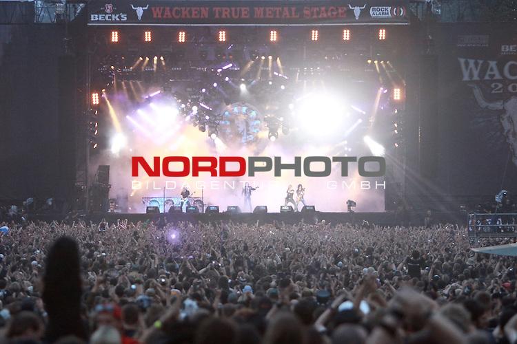 07.08.2010, Wacken Open Air 2010, Wacken, GER, 3.Tag beim 21.Heavy Metal Festival volle Begeisterung vor der Buehne, Foto © nph / Kohring