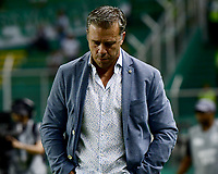 PALMIRA - COLOMBIA, 17-09-2019: Lucas Pusineri técnico del Cali gesticula durante partido entre Deportivo Cali y Alianza Petrolera por la fecha 11 de la Liga Águila II 2019 jugado en el estadio Deportivo Cali de la ciudad de Palmira. / Lucas Pusineri coach of Cali gestures during match between Deportivo Cali and Alianza Petrolera for the date 11 as part Aguila League II 2019 played at Deportivo Cali stadium in Palmira city. Photo: VizzorImage / Nelson Rios / Cont