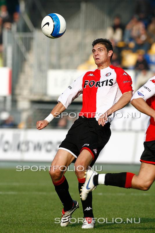 Nederland, Waalwijk, 15 oktober 2006 .Eredivisie .Seizoen 2006-2007 .RKC Waalwijk-Feyenoord (2-2).Angelos Charisteas van Feyenoord in actie met bal.