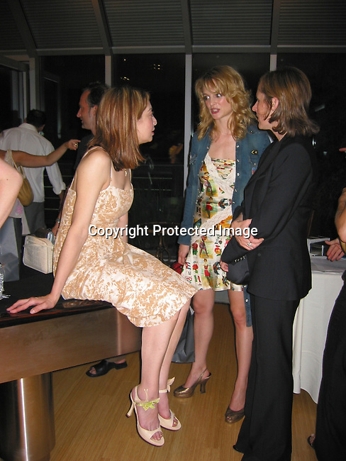 Ileana Douglas, Heather Graham &amp; Molly Shannon<br />EXCLUSIVE<br />Actor/Director Alan Cumming in Celebrates the formation of their new company, The Art Party<br />Private Tribeca Loft<br />June 24, 2002<br />New York, NY USA<br />Photo By Celebrityvibe.com