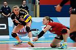 03.12.2017, Halle Berg Fidel, Muenster<br />Volleyball, Bundesliga Frauen, Normalrunde, USC MŸnster / Muenster vs. Rote Raben Vilsbiburg<br /><br />Laura KŸnzler / Kuenzler (#5 Vilsbiburg), Annahme Michaela Bertalanitsch (#6 Vilsbiburg) / Libero<br /><br />  Foto &copy; nordphoto / Kurth