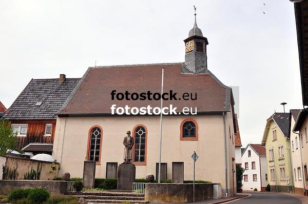 Evangelische Kirche und Kriegerdenkmal 1914/18