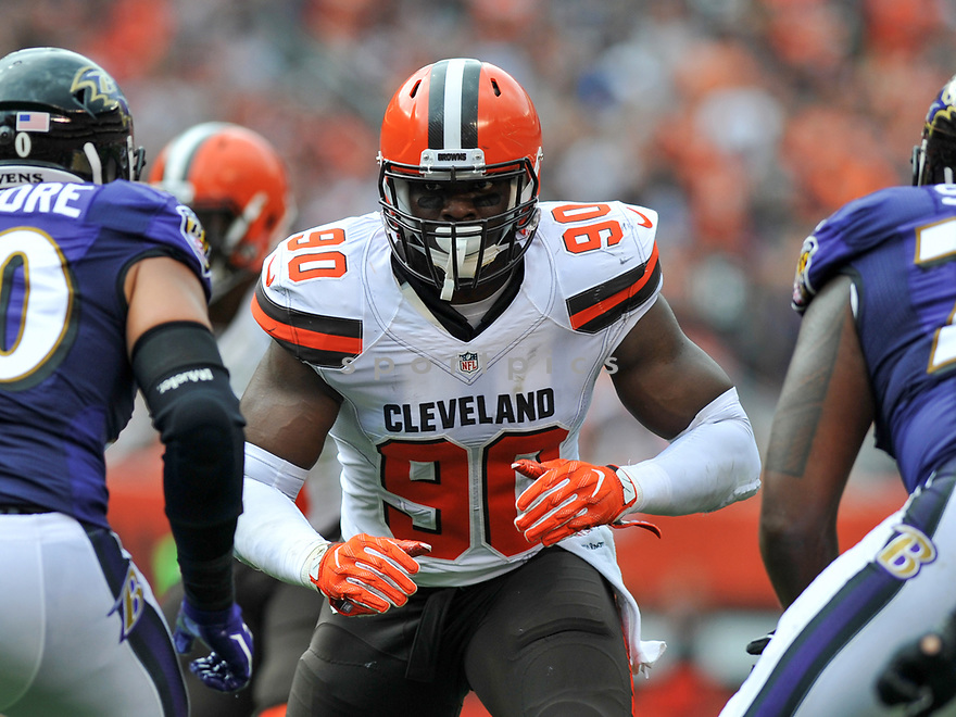 CLEVELAND, OH - JULY 18, 2016: Defensive end Emmanuel Ogbah #90 of the Cleveland Browns rushes off the line of scrimmage in the second quarter of a game against the Baltimore Ravens on July 18, 2016 at FirstEnergy Stadium in Cleveland, Ohio. Baltimore won 25-20. (Photo by: 2017 Nick Cammett/Diamond Images)  *** Local Caption *** Emmanuel Ogbah(SPORTPICS)