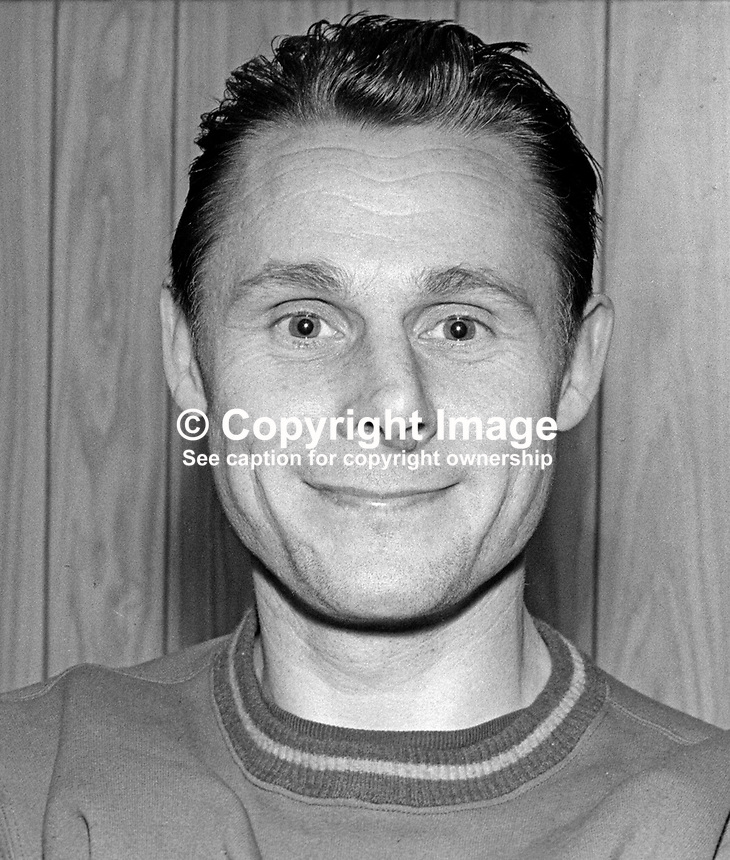 Ken Gilliland, footballer, Linfield FC, Belfast, N Ireland, November, 1968, 196811000148<br /> <br /> Copyright Image from Victor Patterson, 54 Dorchester Park, Belfast, UK, BT9 6RJ<br /> <br /> t: +44 28 9066 1296<br /> m: +44 7802 353836<br /> vm +44 20 8816 7153<br /> <br /> e1: victorpatterson@me.com<br /> e2: victorpatterson@gmail.com<br /> <br /> www.victorpatterson.com<br /> <br /> IMPORTANT: Please see my Terms and Conditions of Use at www.victorpatterson.com