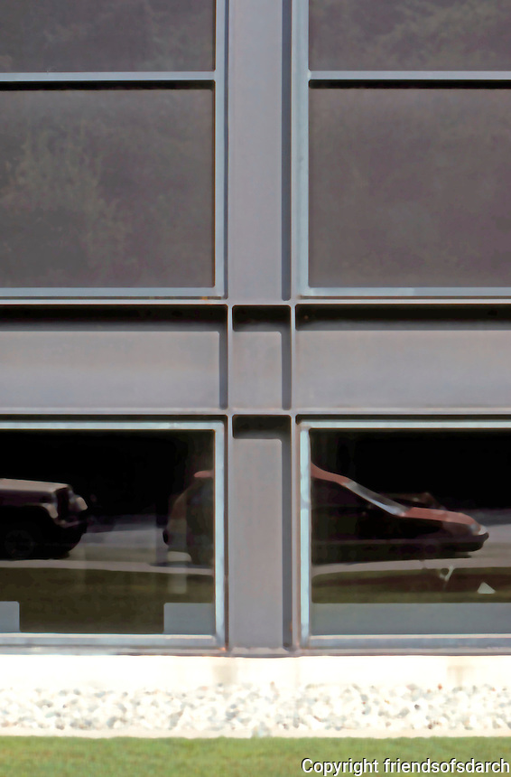 Craig Elwood: Art Center College of Design, Pasadena 1977. Detail.