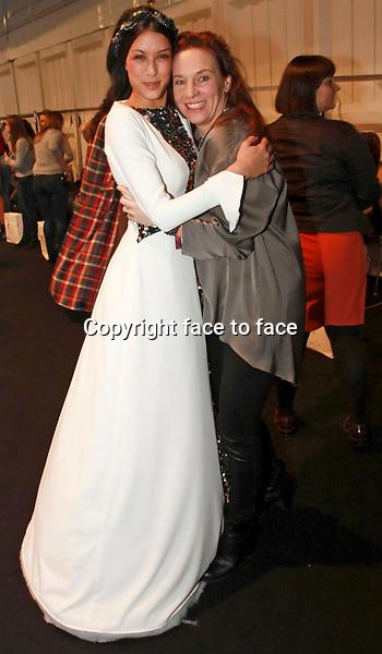 Berlin Fashion Week - Backstage bei Anja Gockel - Designerin Anja Gockel mit Model Rebecca Mir<br /> Credit: BB/face to face