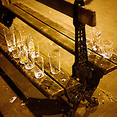 "London, Great Britain, April 2010:.Football fans celebrating victory at ""The Globe"" pub on Baker street..(Photo by Piotr Malecki / Napo Images)..Londyn, Wielka Brytania, Kwiecien 2010:.Fani pilki noznej ciesza sie ze zwyciestwa w pubie ""The Globe"" na Baker street. Fot: Piotr Malecki / Napo Images"